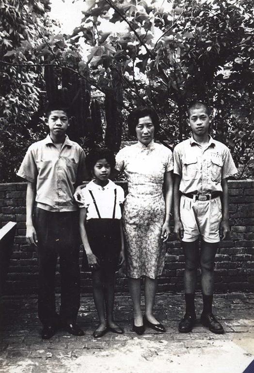 眷村裡的母親與孩子們(二)
